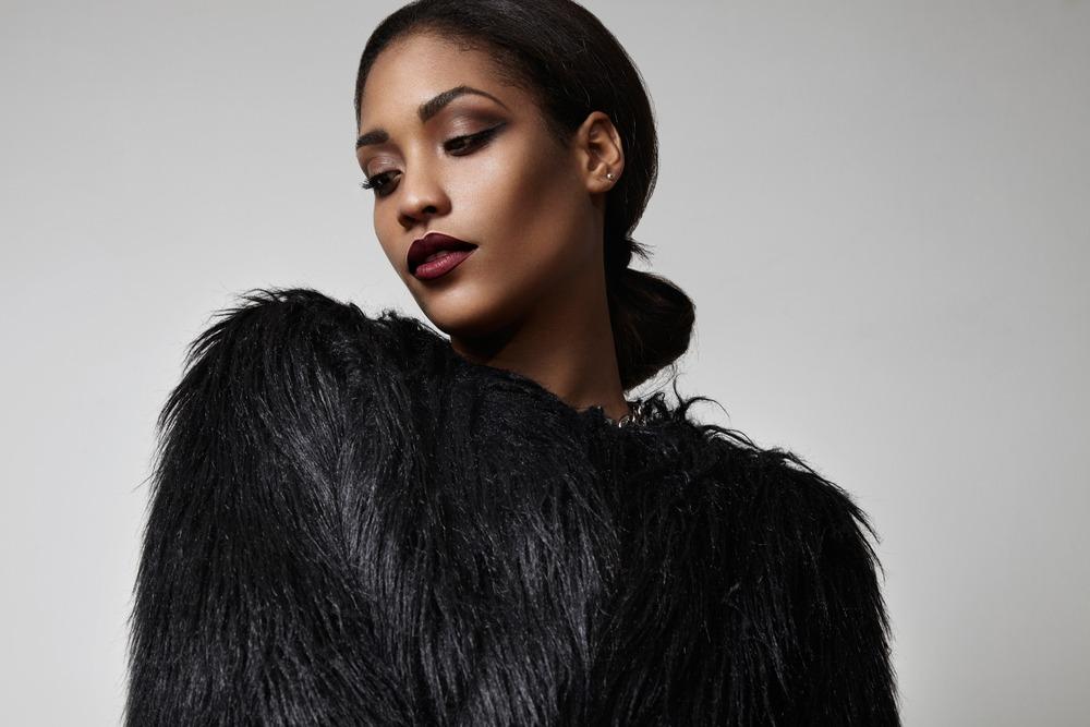 Depositphotos 89974532 s 2019 - How to Wear Dark Lipstick