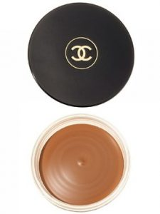 beauty products makeup 2013 chanel soleil tan bronzing makeup base 225x300 - 15 Brilliant Beauty Hacks