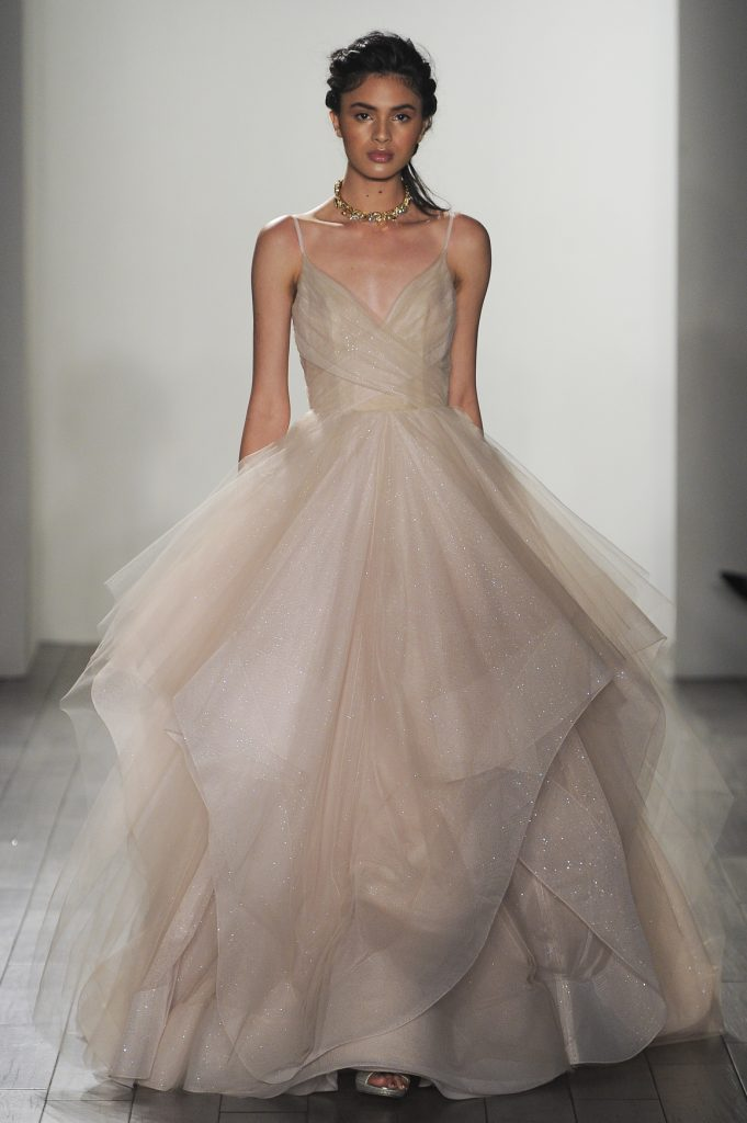 15 most gorgeous wedding dresses from ny bridal fashion for Wedding dresses stores in ny