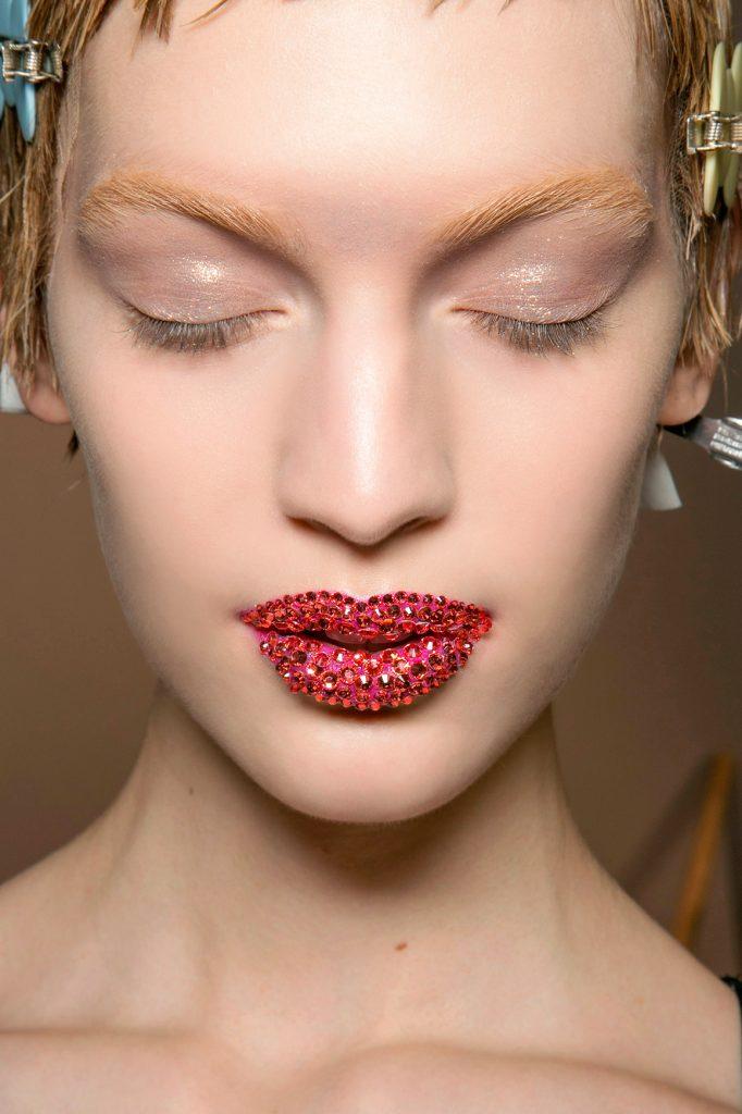 Dior HC bbt S13 008 1 682x1024 - Pat McGrath: 18 Most Beautiful Runway Makeup Looks
