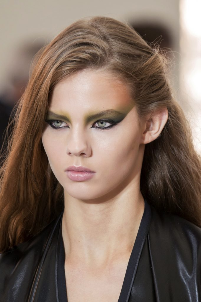 Vuitton bty S17 002 681x1024 - Pat McGrath: 18 Most Beautiful Runway Makeup Looks
