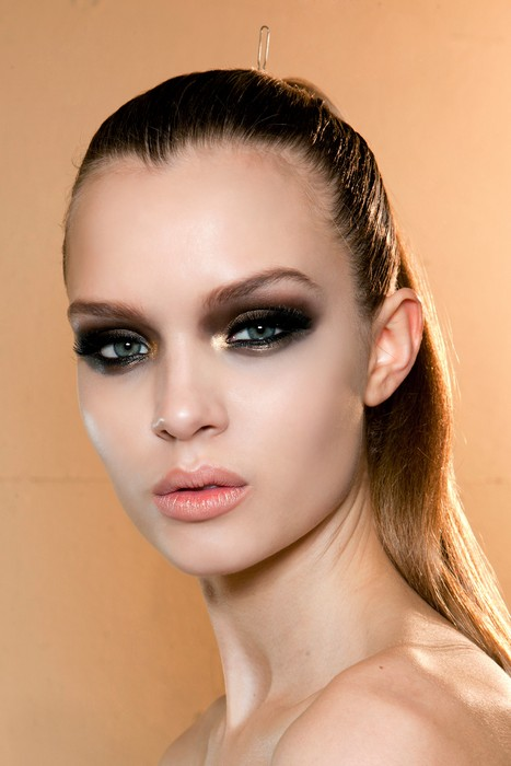 Versace HC bbt S12 013 - New Year's Eve Makeup Ideas You'll Actually Want to Try