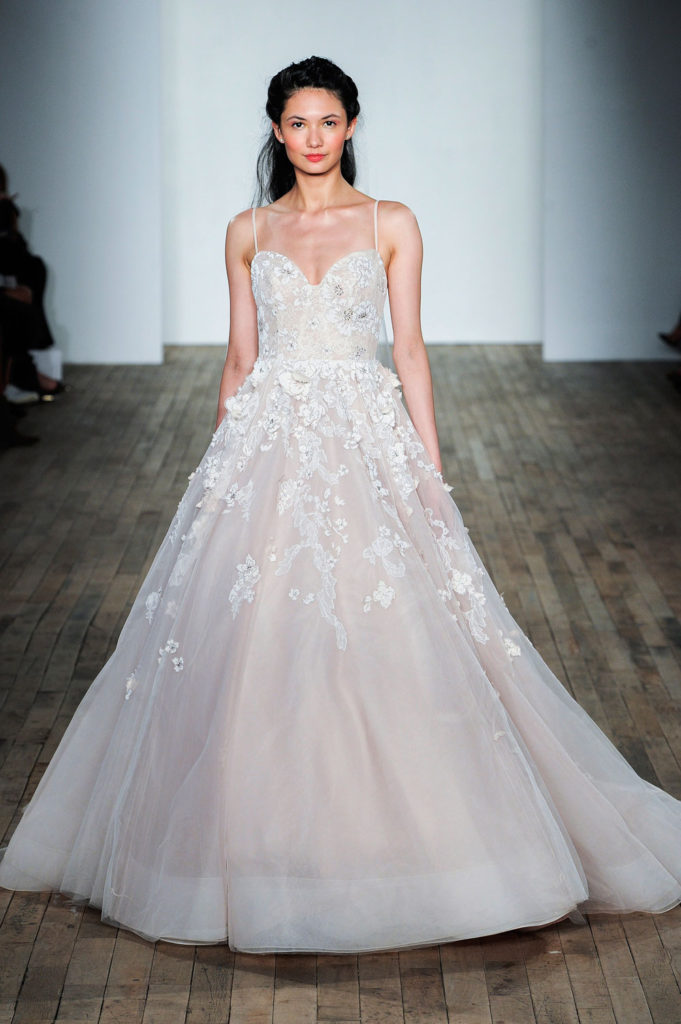 Hayley Paige brd F18 063 681x1024 - 9 Must-See Fall 2018 Wedding Dress Trends