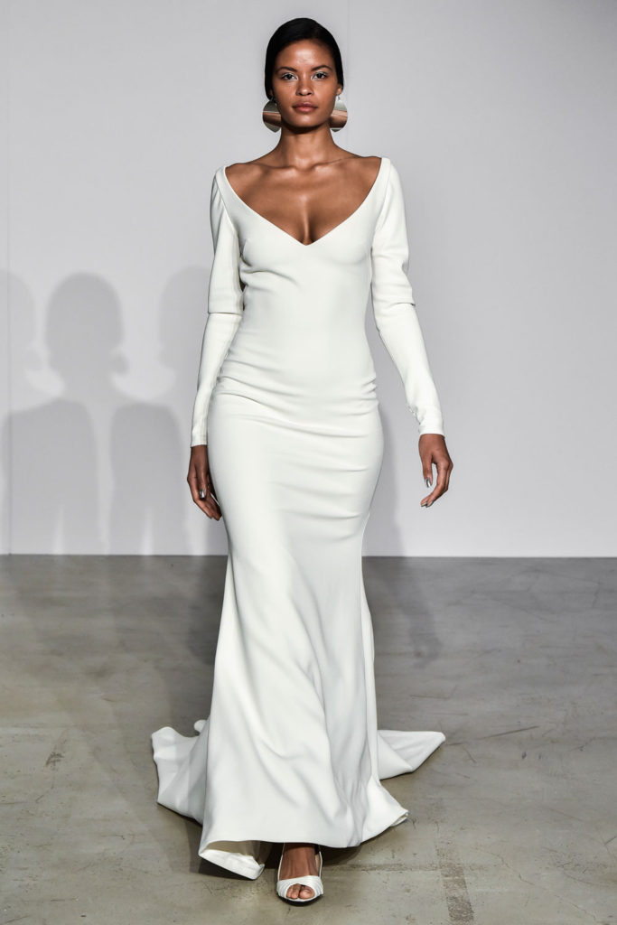Justin Alexander brd F18 007 683x1024 - 9 Must-See Fall 2018 Wedding Dress Trends