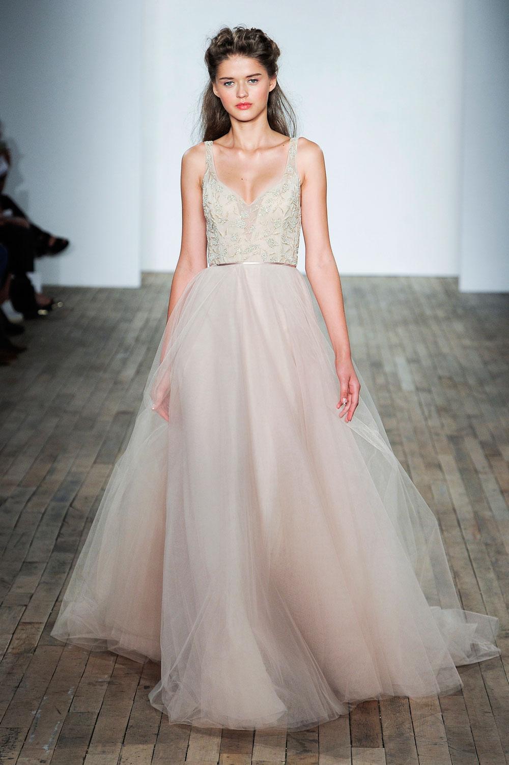 wedding dress trends 2018