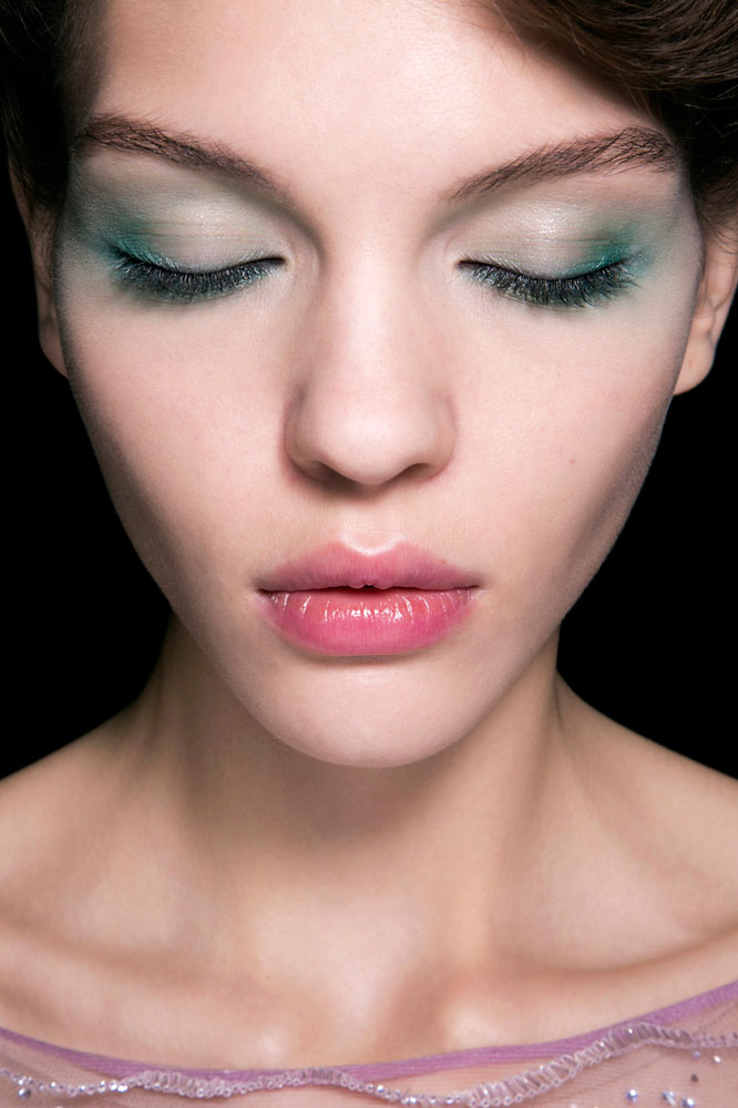 Giorgio Armani bbt S14 003 - 10 St. Patrick's Day Makeup Looks That Aren't Cheesy