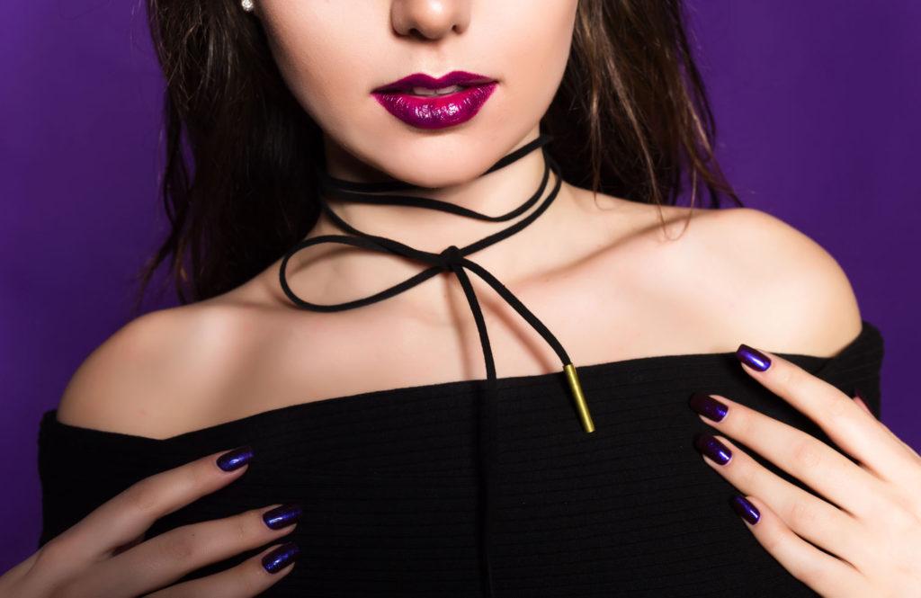 choker 1024x665 - 6 Forgotten Fashion Trends Making a Comeback