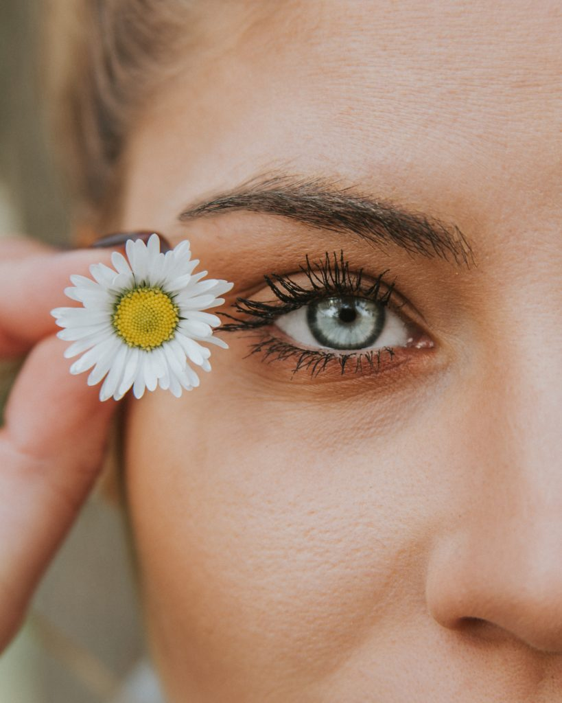 angelos michalopoulos t7J yjUv8QI unsplash 819x1024 - False Eyelashes 101: Everything You Need to Know About Falsies