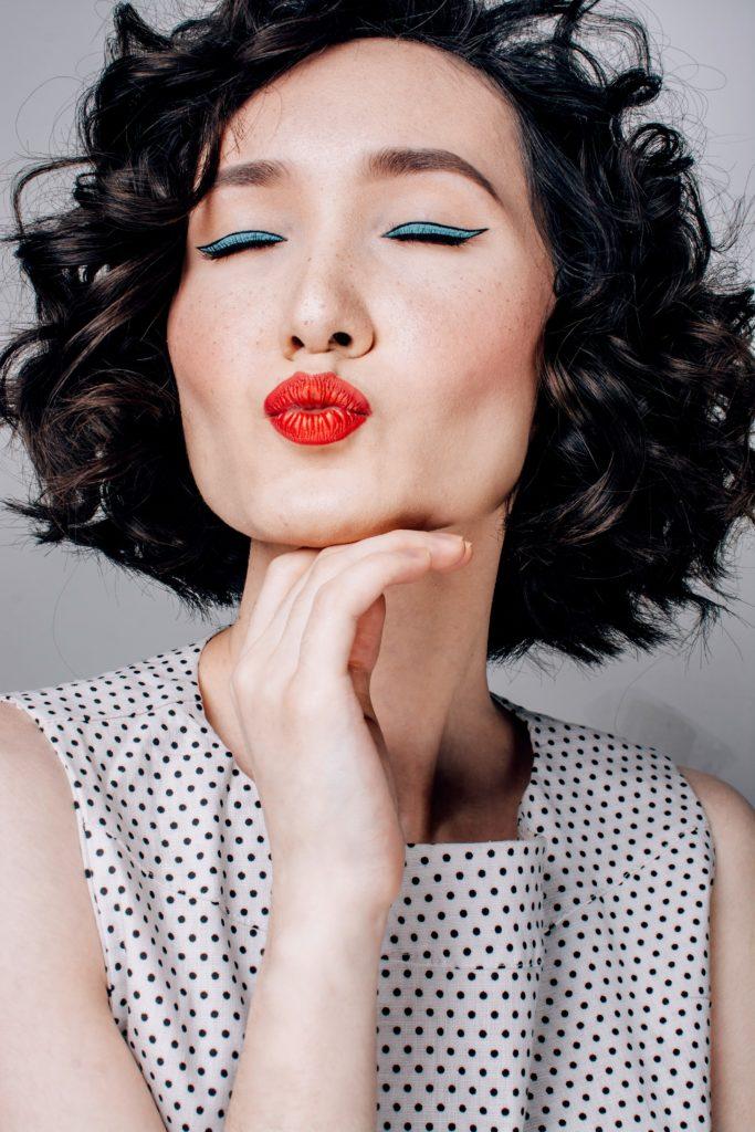 lipstick 683x1024 - Accessorize: Shine like a Star