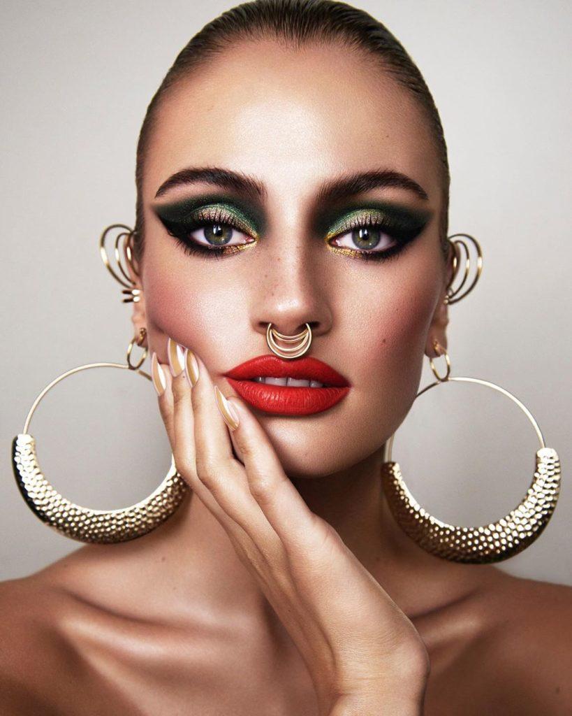 @lindawickmann 819x1024 - 18 Makeup Artists to Follow on Instagram