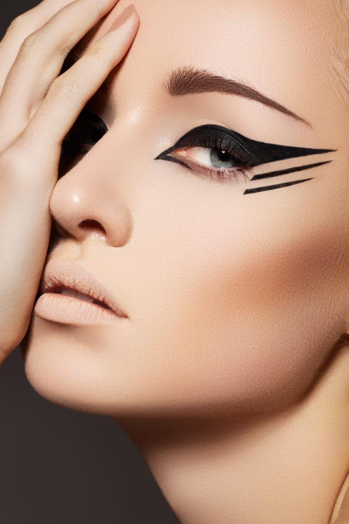Depositphotos 7118331 l 2015 682x1024 - Steps on Editing a Professional Makeup Portfolio