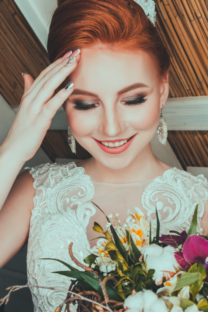 valerie elash bI8Yv7AH6b0 unsplash 683x1024 - Notes on Becoming A Bridal Makeup Artist