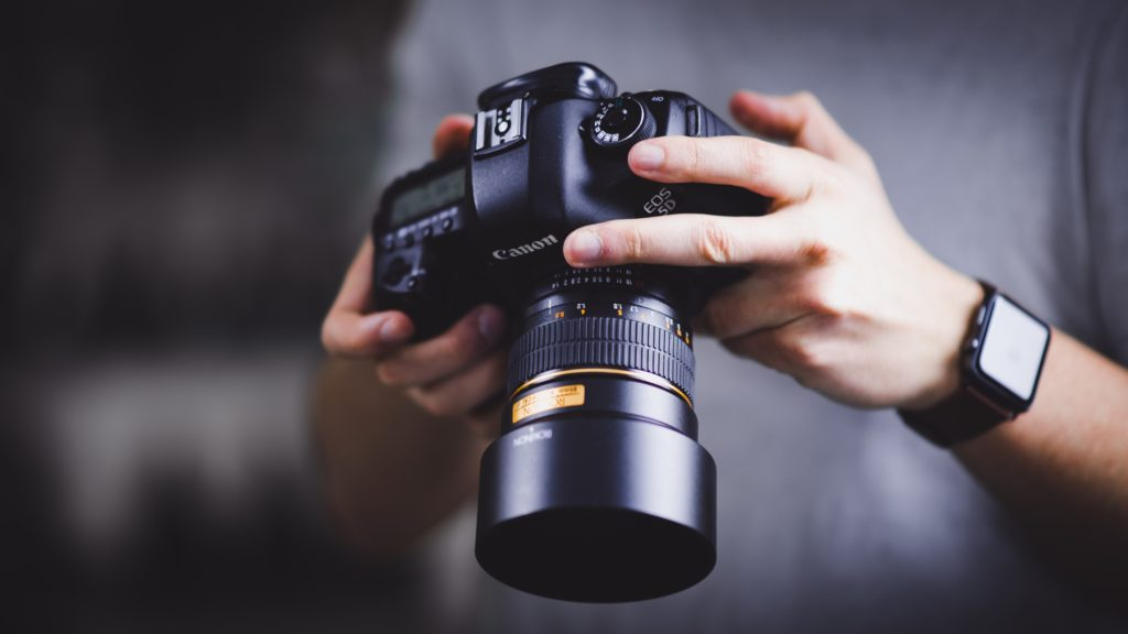 william bayreuther hfk6xOjQlFk unsplash 1024x576 - How to Become a Great Photographer in a Few Months