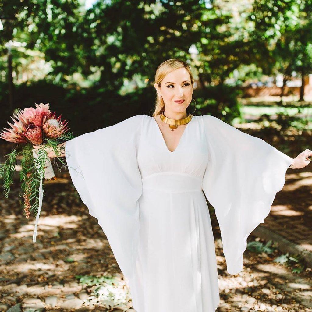 15877491 1244060319015551 7437273585749590016 n 1024x1024 - Talks with Destination Wedding Makeup Artists