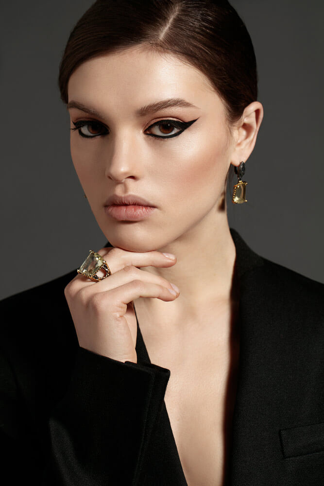 Black eyeliner 1 - The Key to Long-Lasting Makeup