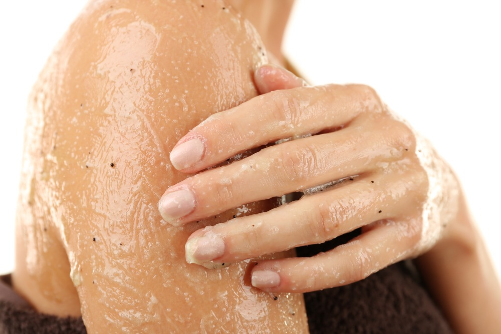 body scrub - 15 Brilliant Beauty Hacks