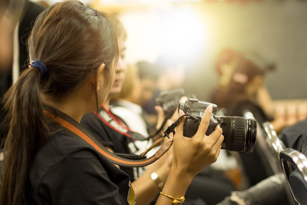 teach photography - 10 Ways to Earn Money as a Freelance Photographer