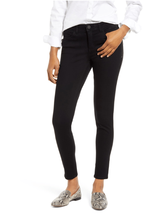 BlackJeans - 10 Things Every Fashionable Woman Should Have