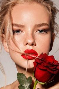 Red lips 200x300 - A Vintage Valentine