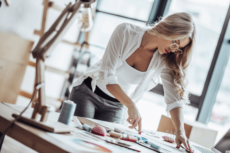 rsz depositphotos 185266628 s 2019 1 - Career: How To Become A Fashion Stylist