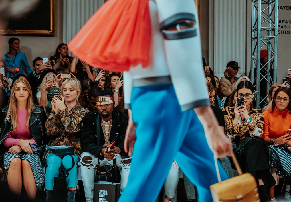 succeed - Career: How To Become A Fashion Stylist