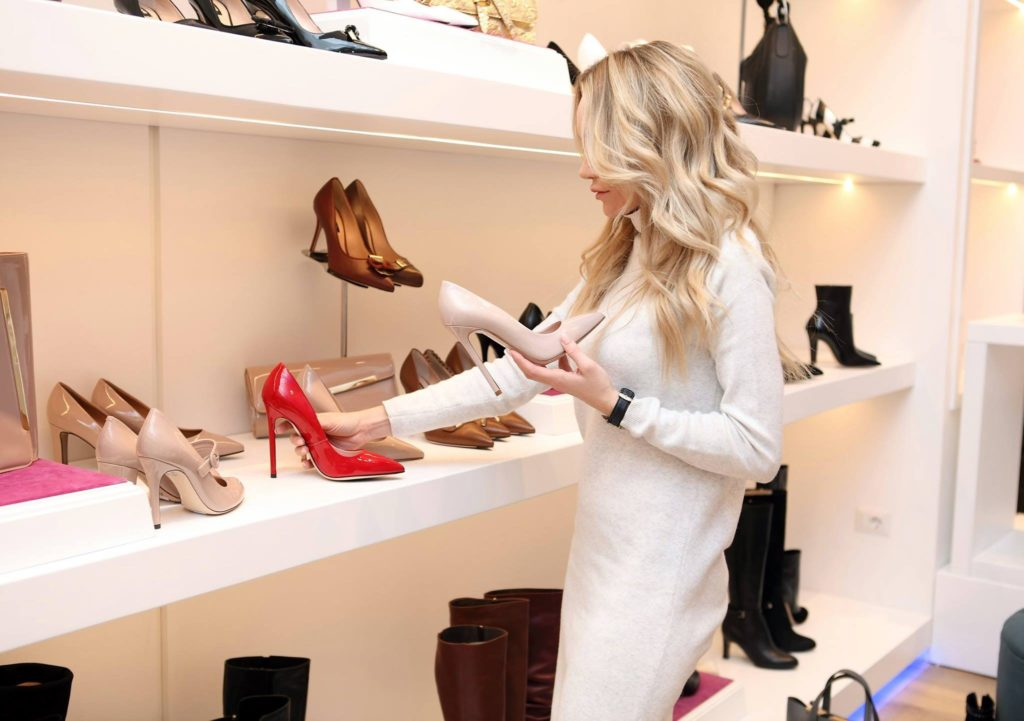 woman at shoe store 318236 1024x721 - A Complete Makeover: 7 Steps To A Gorgeous New You