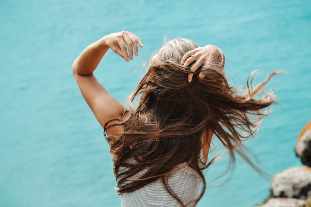pexels photo 2867899 1024x683 - Habits for strong and healthy hair