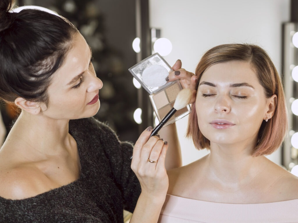 professional makeup artist working 1024x768 - 7 high-paying jobs in the beauty industry and how to find them