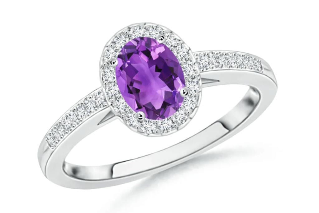 Screenshot 29 1024x684 - 20 dreamy engagement rings